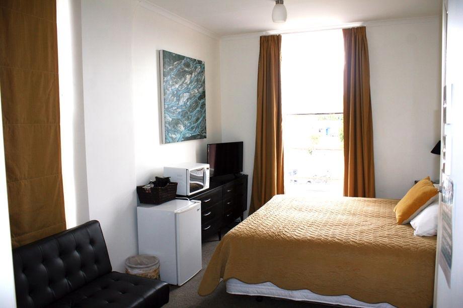 Lumsden Hotel Room 11